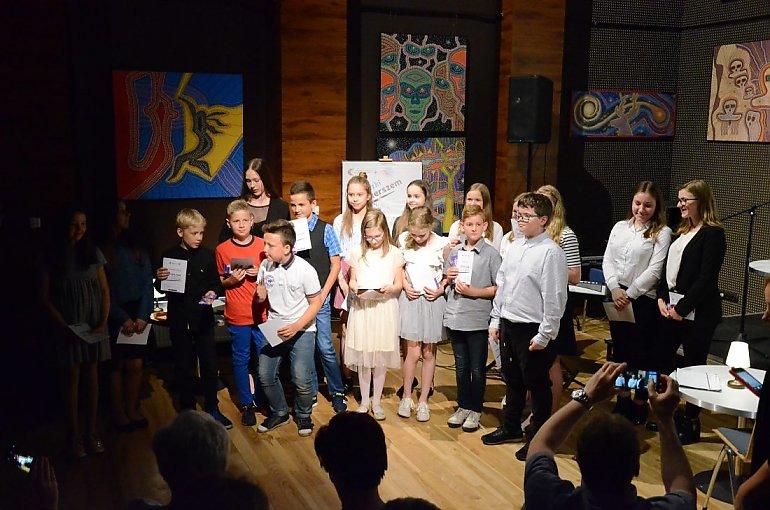 Dzieci Wiersze Piszą Najmłodsi Bydgoscy Twórcy Poezja Cz